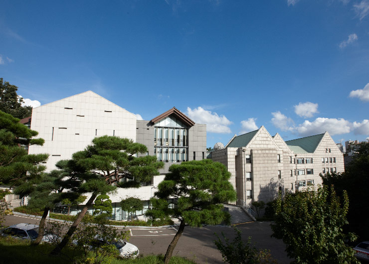 Ewha Law School Produces 98 Successful Candidates in the 9th Bar Examination, 4 Legal Clerks, and 3 Prosecutors